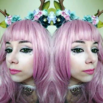 green circle lenses on Lolita model