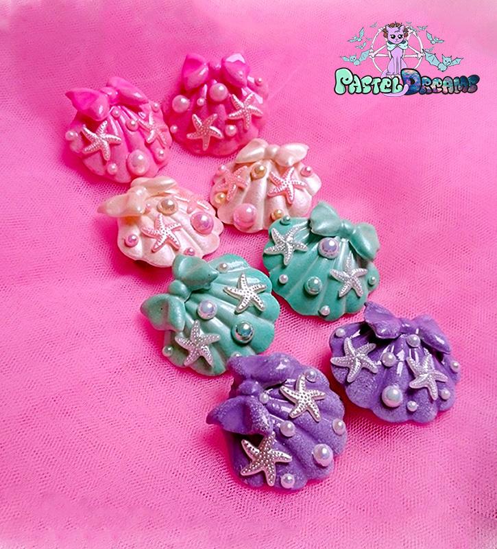 big mermaid Pair shell hair clips Pastel Goth handmade by pastel-dreams