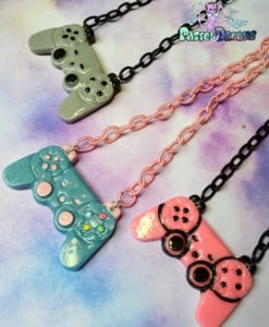 ps3 controllers necklace geeky
